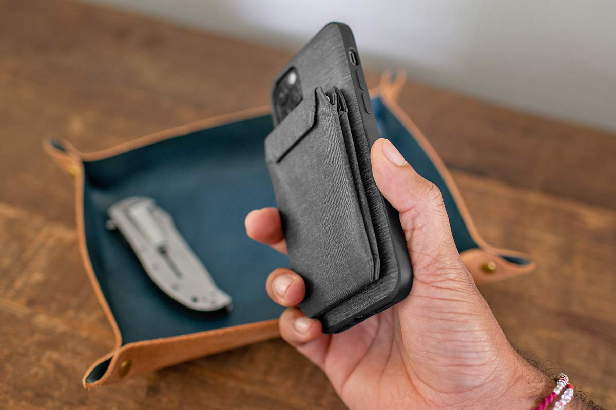 Mobile by Peak Design phone case and mounts, magnetic and secure locking mobile phone bike mounts everyday case charging adapters,wallet