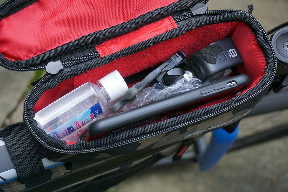 blackburn design outpost top tube bento box bag keeps phone and snacks in easy reach