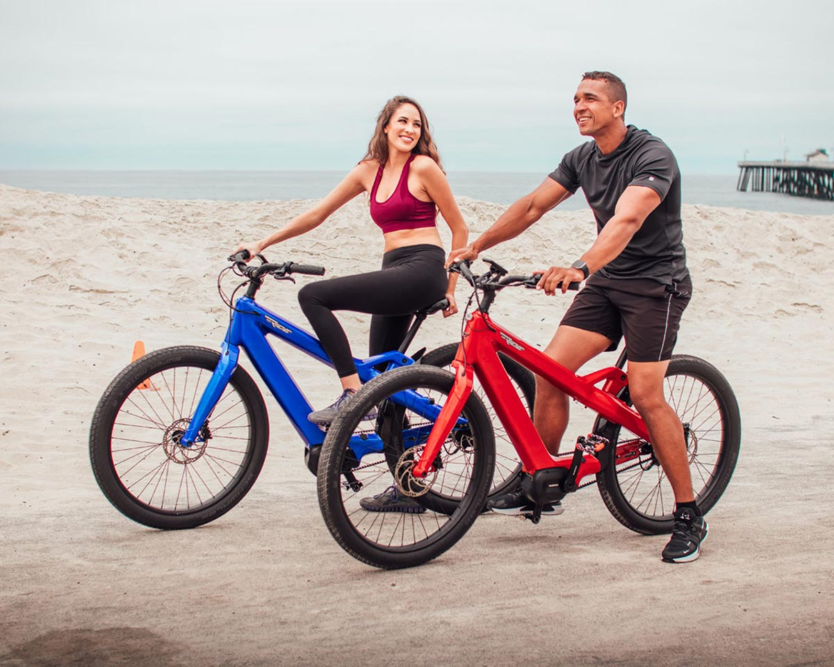 bicycle rider on tony ellsworth ebike theride radiant carbon commuter cruiser