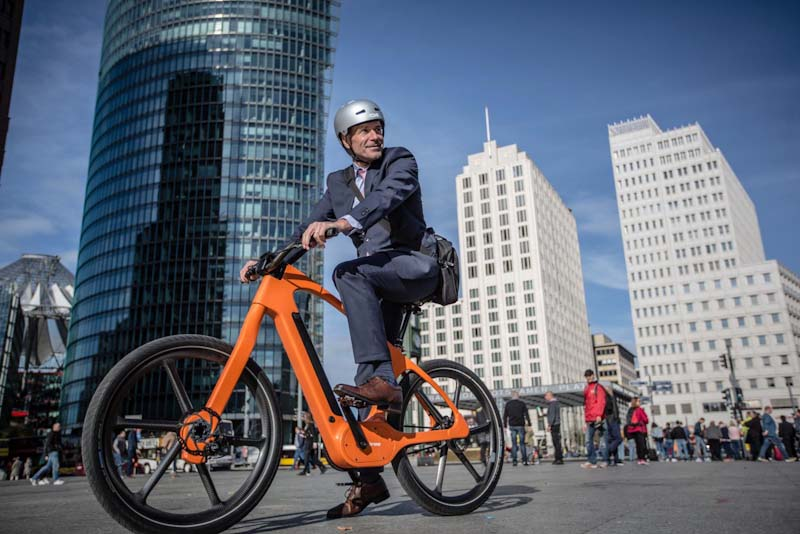 Connected Drive, rider on Brose e-bike