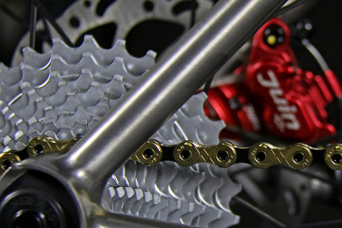 TRed Arcanide A03 Venti to road bike, fully-integrated internal cable routing custom titanium road bike,Campy cassette