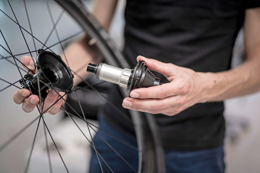 Classified Carbon Wheelsets, gravel & all-road wheels with wireless 2x internal gear hub built-in