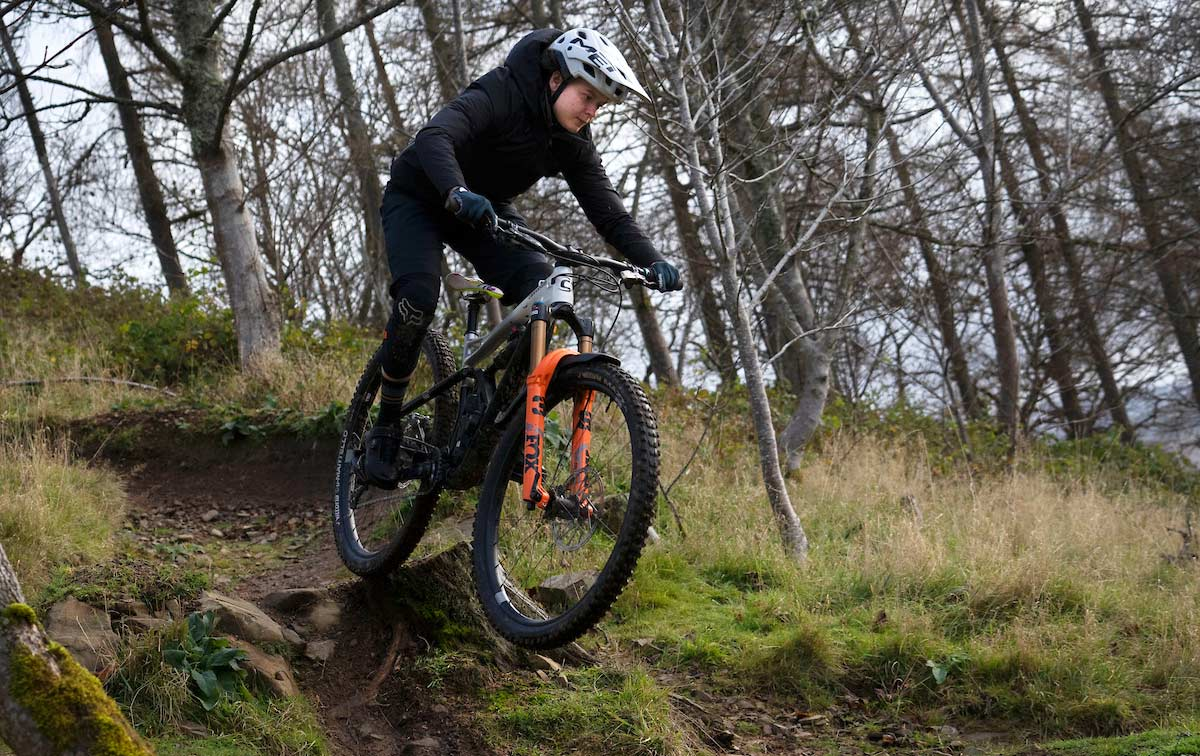 testing crankbrothers stamp mtb flat pedal shoe peebles scotland stump gap