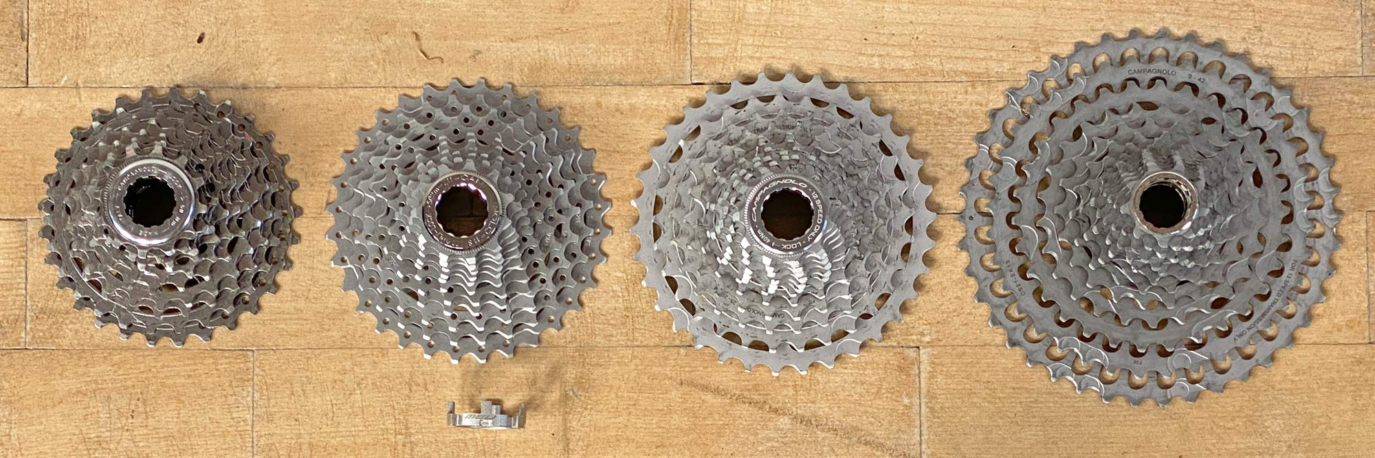 Campagnolo N3W freehub body Tech Feature in detail, new Campy backwards compatible gravel road bike wheels,10sp 11sp 12sp 13sp