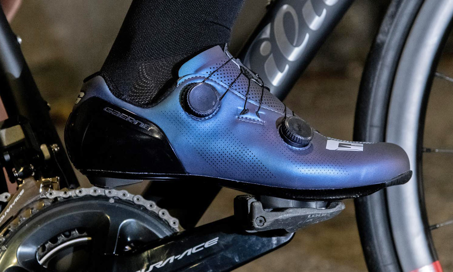 Gaerne G.STL road shoes, top-tier made-in-Italy performance carbon road race bike shoe, shiny purple