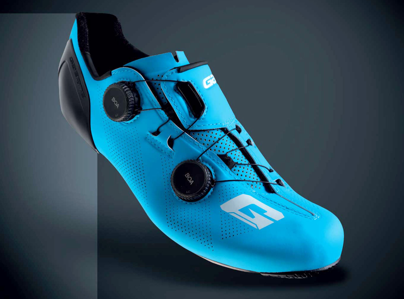 Gaerne G.STL road shoes, top-tier made-in-Italy performance carbon road race bike shoe, angled