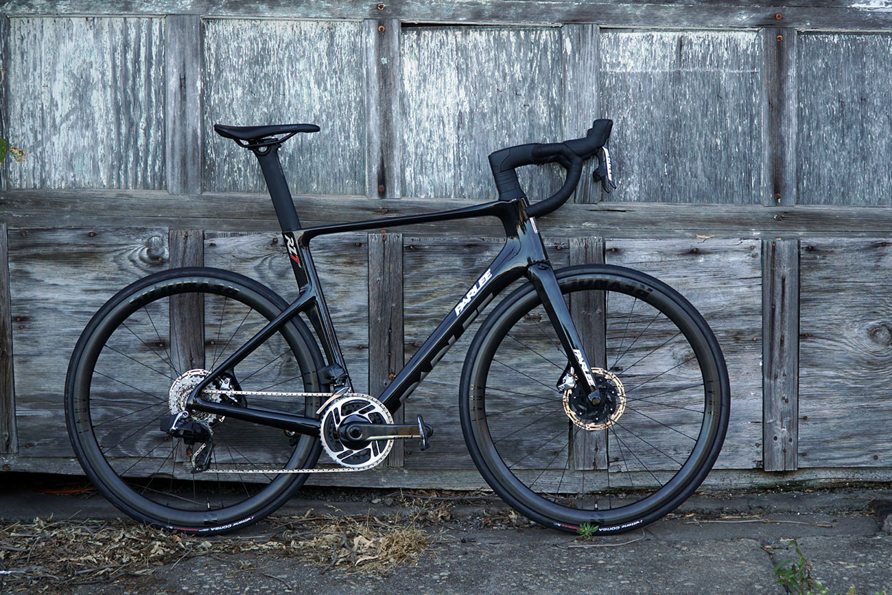 review of parlee rz7 aero road bike with bike shown from side