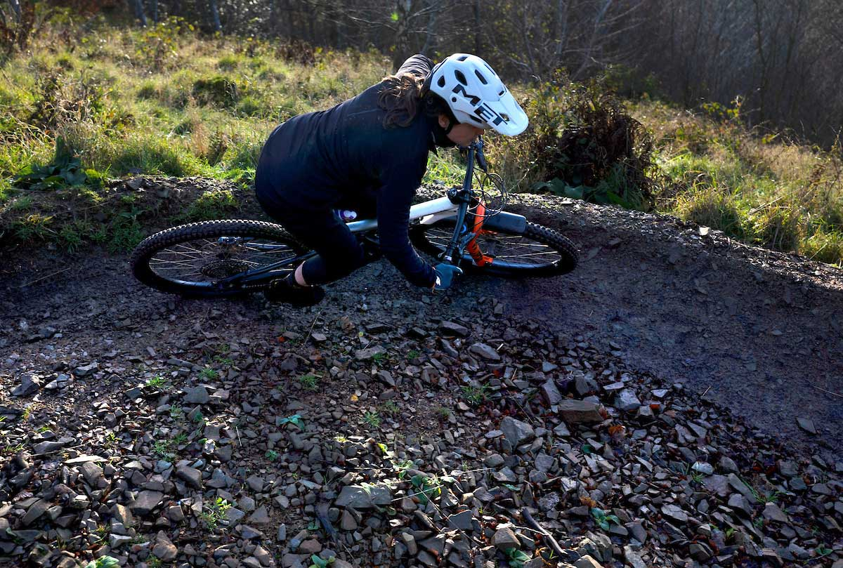 specialized trail series alpha jacket review womens mountain biking clothing winter