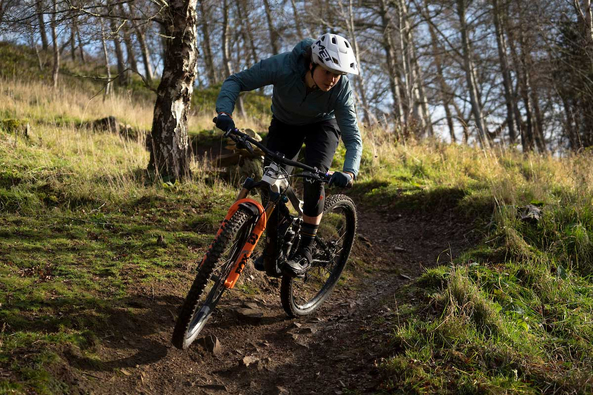 riding singletrack corners tweed valley scotland testing fox 38 enduro fork factory grip2 damper vvc