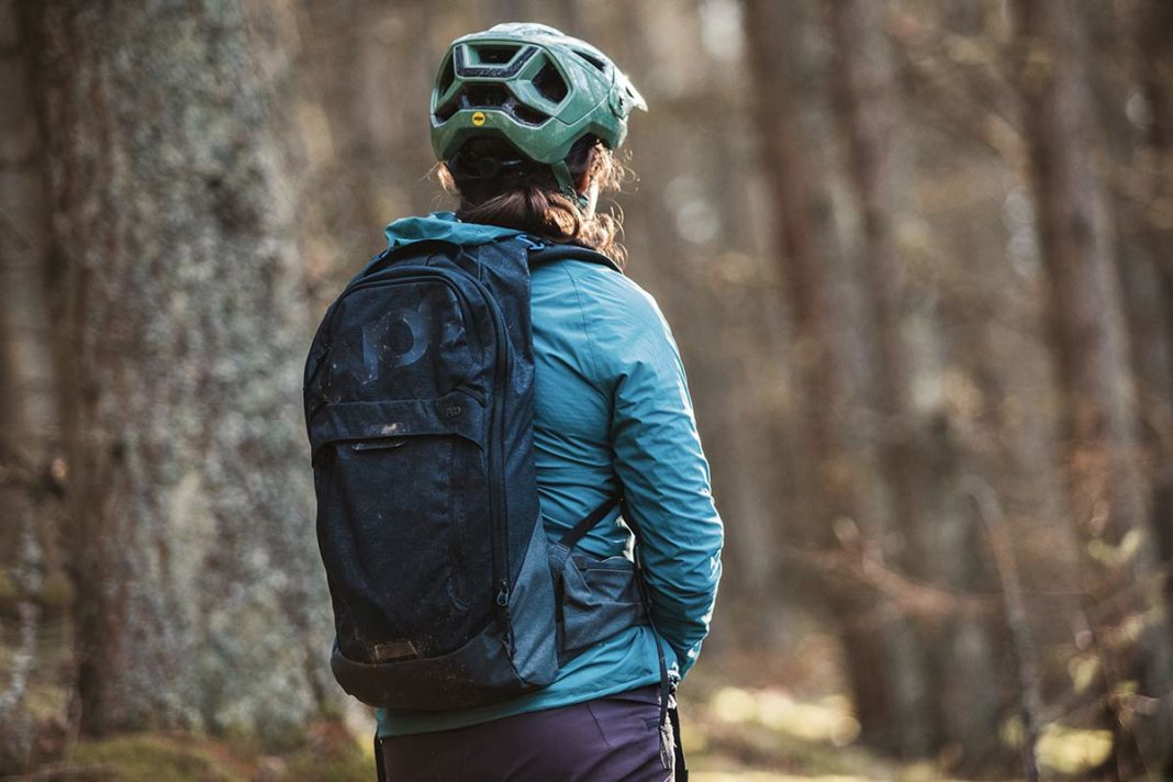 evoc trail pro 10l backpack review back protector insert protection for mtb