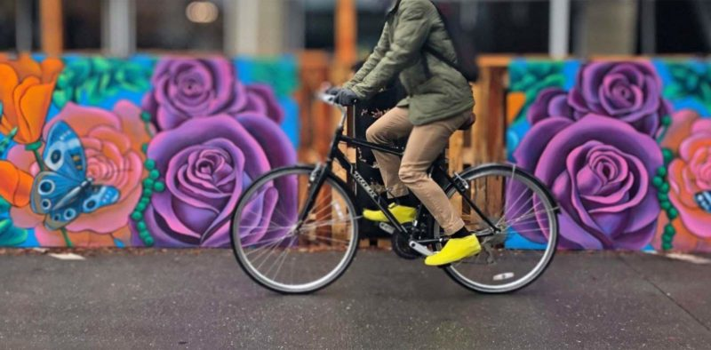 VeloToze Roam bike commuter shoe covers, waterproof latex flat pedal platform shoe covers for everyday protection, riding