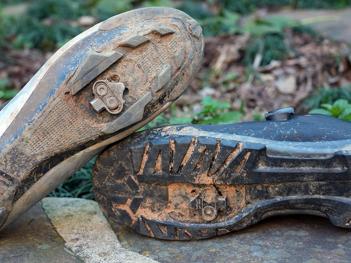 example of mountain bike cleats and tread blocks for clipless mtb pedals