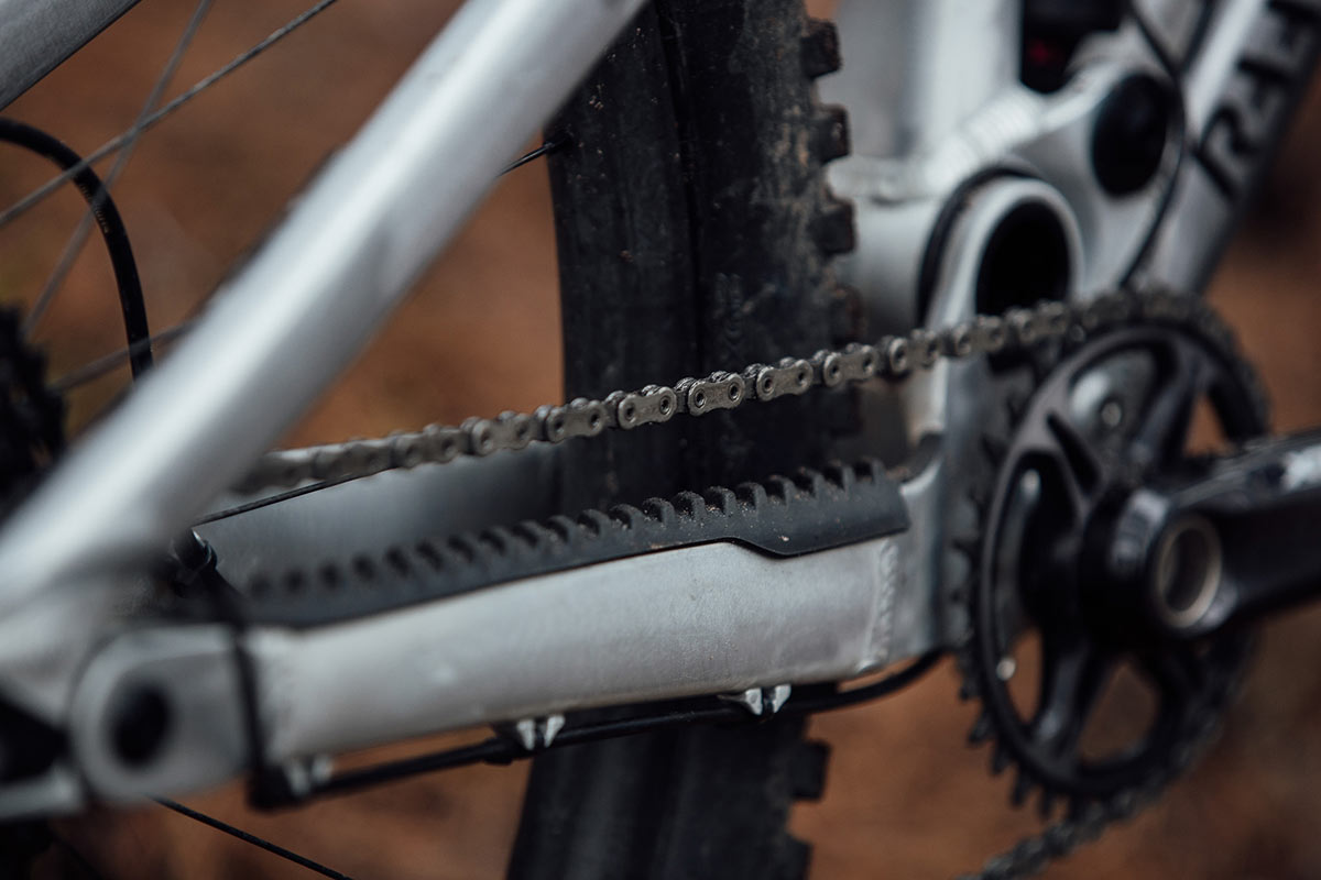 raaw jibb adjsutable length chainstays grow with front end reach proportionally