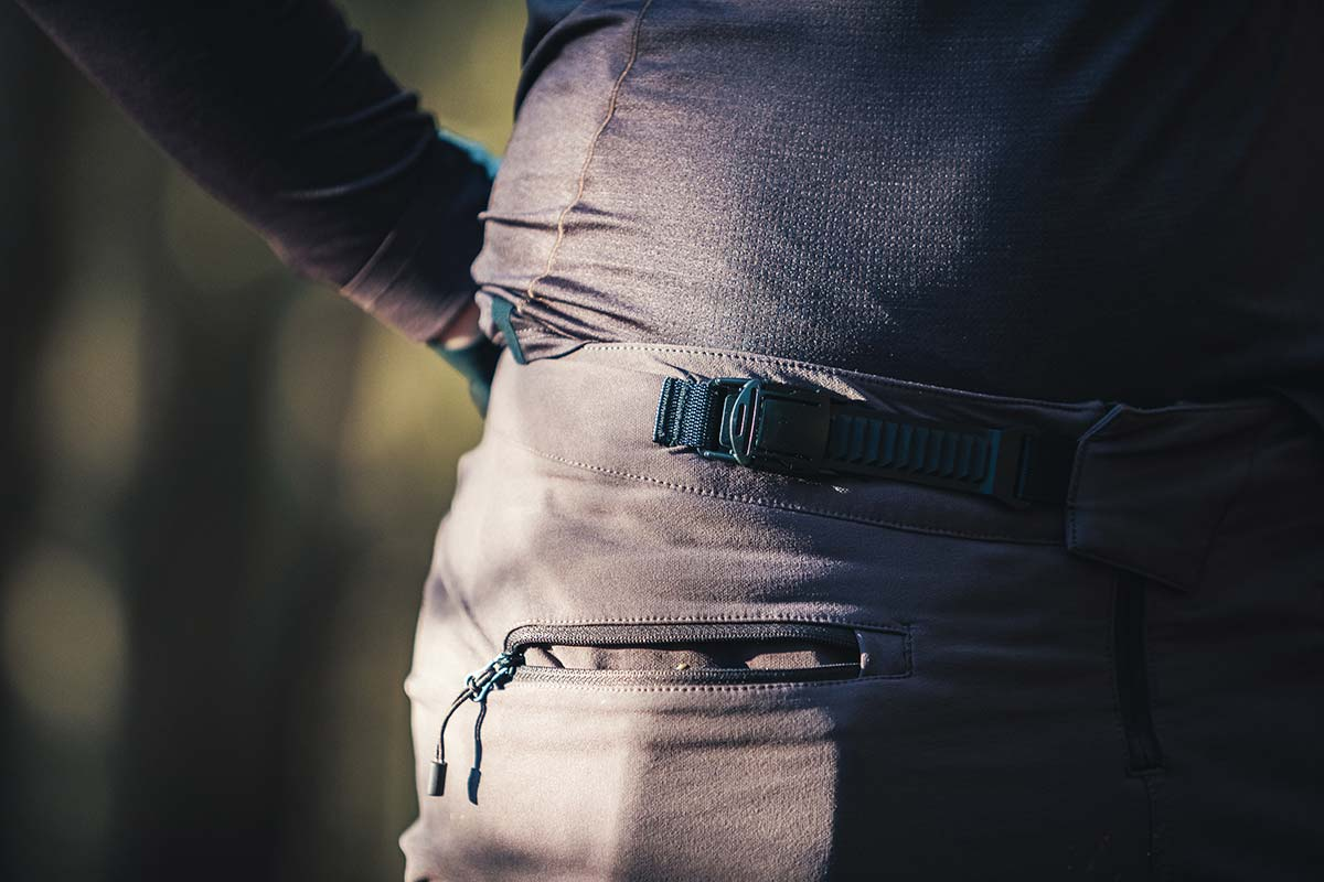 specialized trail series mtb trouser review pants ratchet buckle fastener